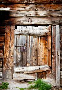 Old wooden structures are like gold in the eyes of the right beholder