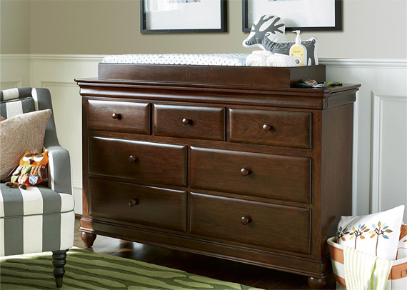 Classics 4.0 Cherry Drawer Dresser (shown with optional Changing Station)