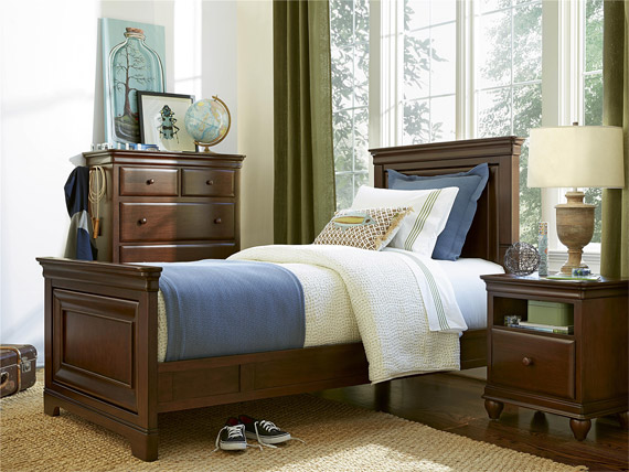 Classics 4.0 Cherry Panel Bed Twin