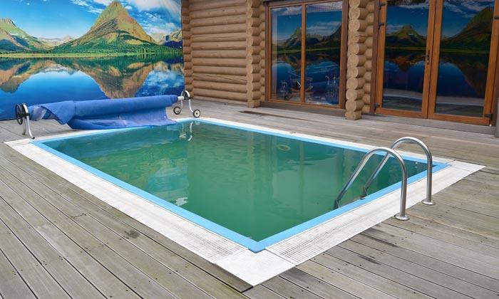 dirty swimming pool water