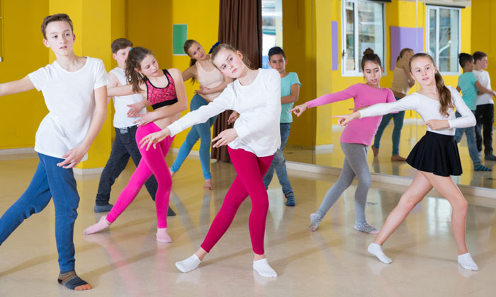 kids dancing away in group class